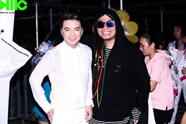 Việt Nam Vươn Cao - Phố đi bộ Nguyễn Huệ - 30/4/2017